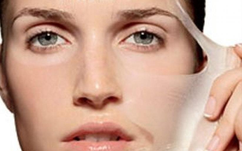 Femme protéger sa peau fragile