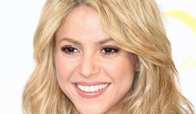 Copie des dents blanches de Shakira