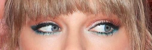 Taylor Swift au regard irisé