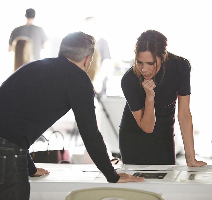 Victoria Beckham travaille sur sa ligen de maquillage avec Estée Lauder