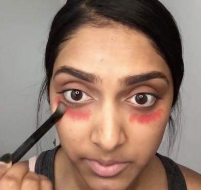 Astuce anti-cernes avec un rouge à lèvres