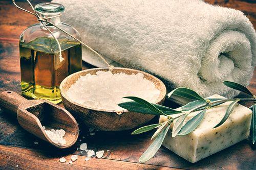 huile d'olive, gros sel toutes les astuces beauté de la loge beauté