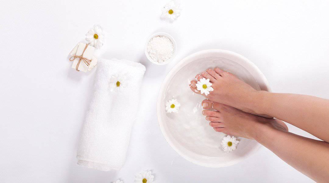 bain des pieds pour lutter contre la grise mine