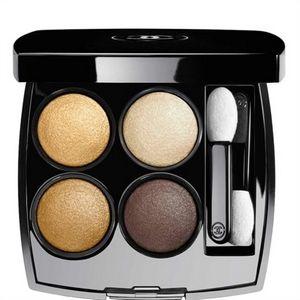 Maquiller les yeux bleus avec Chanel et ses 4 ombres à paupières effets multiples