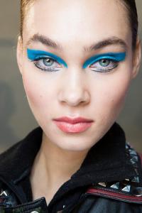 tendances maquillage automne hiver 2017/2018 : Paupières arty