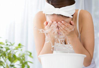 Se laver le visage : erreurs à ne pas commettre