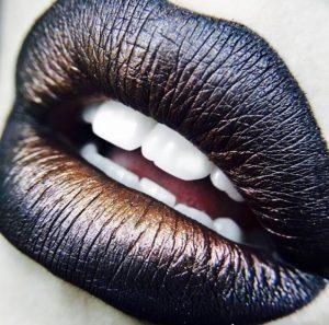 rouge à lèvres métallisé