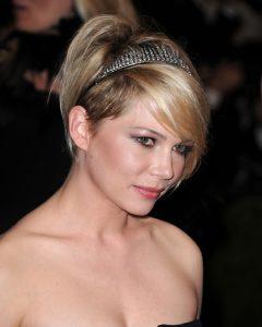 coiffures soirée faciles : Accessoire lumineux