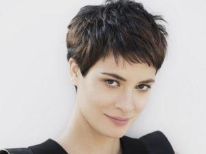 quelle coupe porter en fonction de la nature de ses cheveux: coupe garçonne dégradée