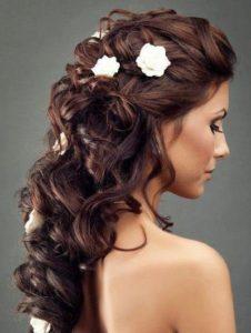 inspirations coiffures pour mariage: Cascade de cheveux ondulés: