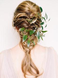 inspirations coiffures pour mariage : La tresse sauvage