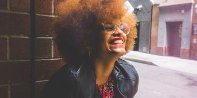 Comment coiffer les cheveux crépus?