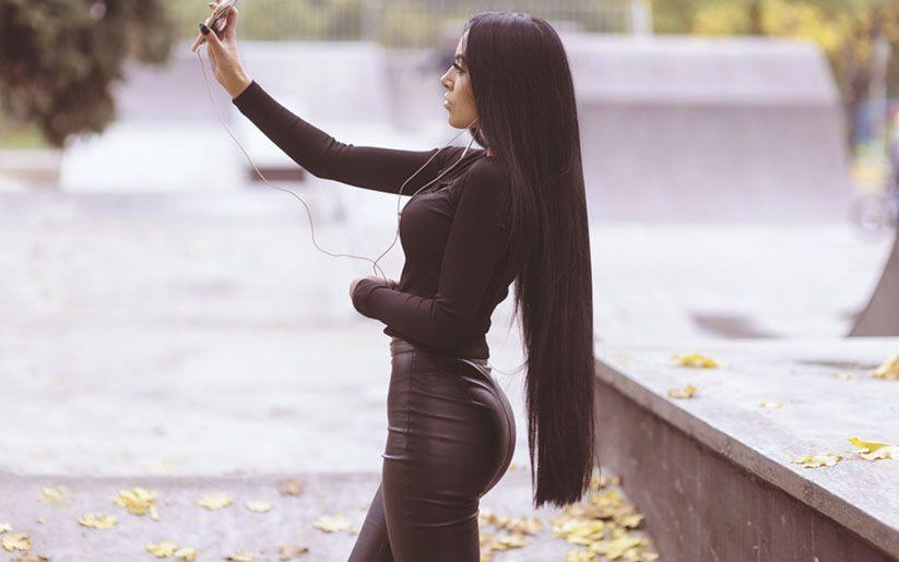 Astuces cheveux très longs