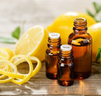 huile essentielle de citron, ennemie juré de la cellulite