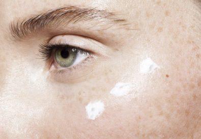 Le contour des yeux