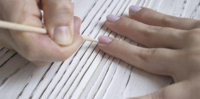 Manucure detox pour dire stop aux ongles cassés et jaunis