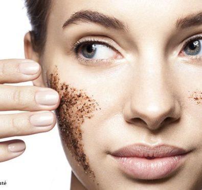 Comment réaliser un bon gommage visage ? ?