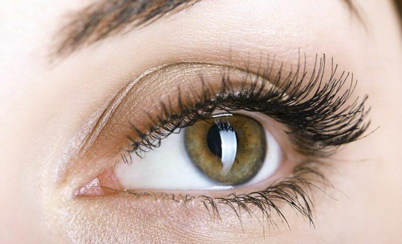 Comment réaliser un maquillage yeux sensibles ?