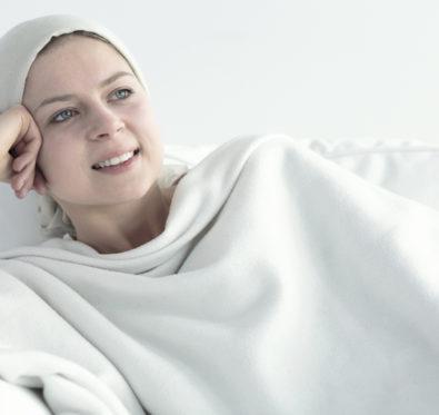 Octobre Rose : comment se maquiller quand on a un cancer ?