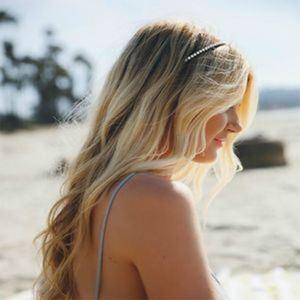 accessoires cheveux serre-tête fin Crédit : Pinterest