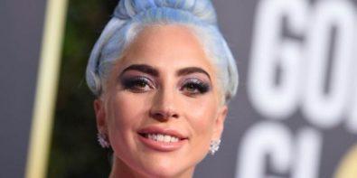 Zoom sur le Smoky Eyes de Lady Gaga sur le tapis rouge des Golden Globes