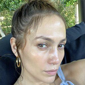 Jennifer Lopez, star sans maquillage