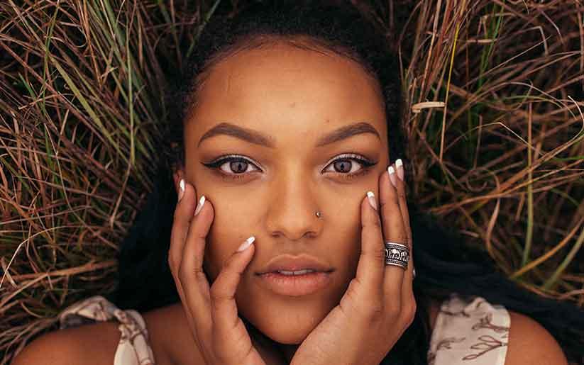 À vous les yeux de biche avec ces astuces make-up !