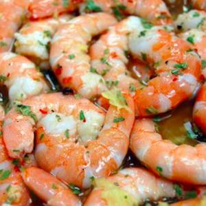 Les crevettes marinées au citron et au gingembre