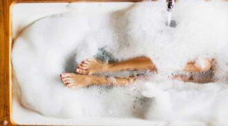 Boule de bain effervescente : votre allié des baignoires