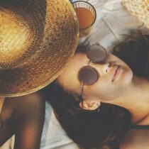 Spray autobronzant : bonne ou mauvaise idée pour l'été ?