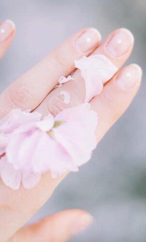 Comment durcir les ongles cassants ?