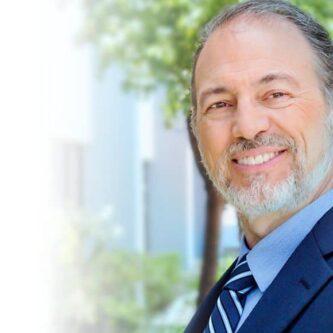 Michael Brinkenhoff fondateur de Revitalash Cosmetics