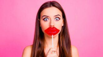 Lip glue challenge, le nouveau défi qui fait froid dans le dos !