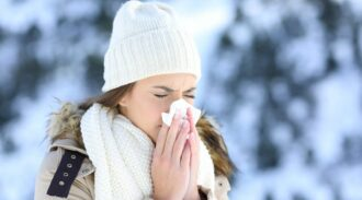 Et si vous misiez sur l'huile essentielle pour lutter contre le rhume ?