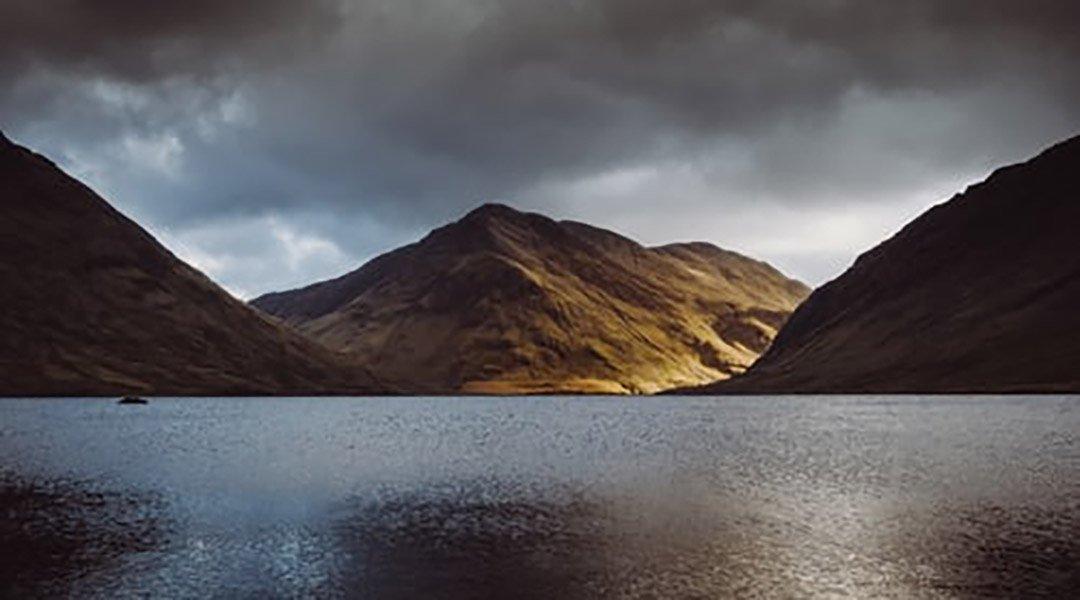 Les lacs du Connemara, en Irlande