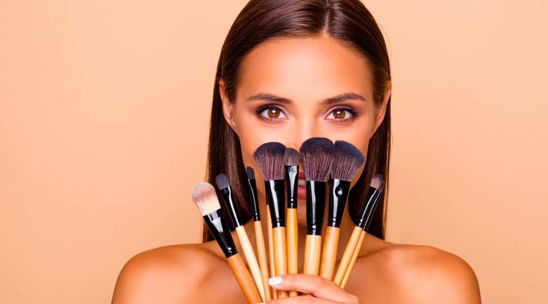 éliminer son double menton grâce au maquillage
