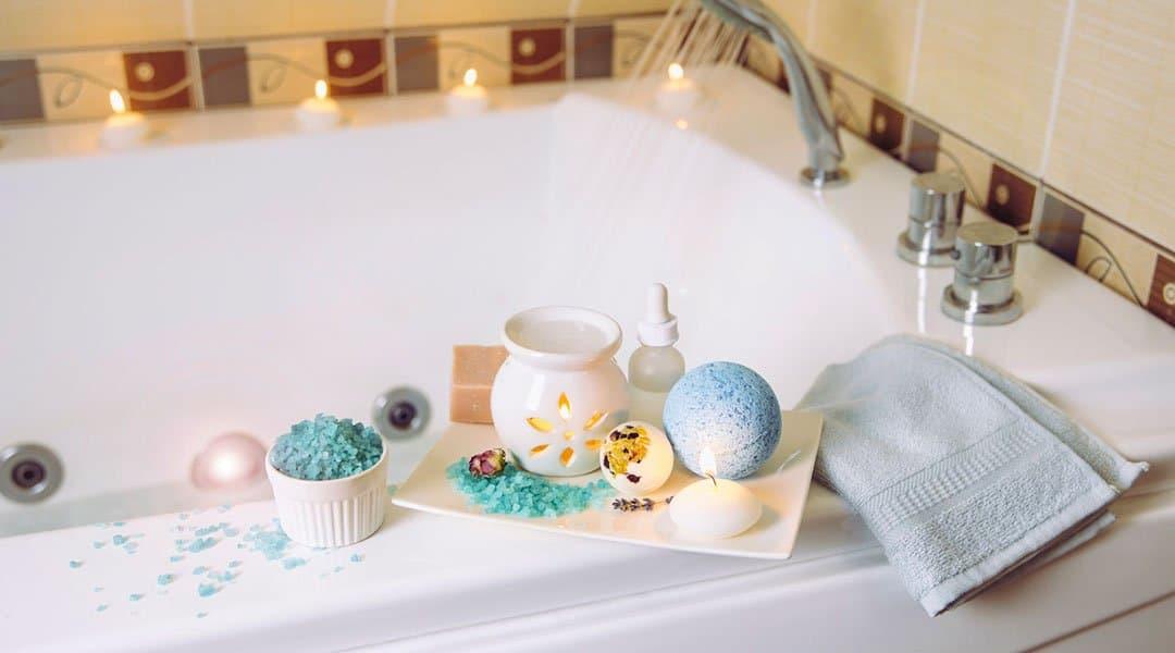 bain avec l'aromathérapie pour se détendre.
