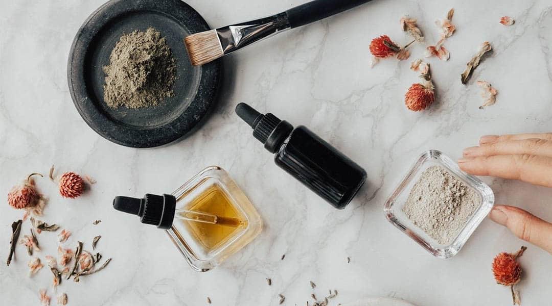 Préparation de l'huile d'onagre en esthétisme