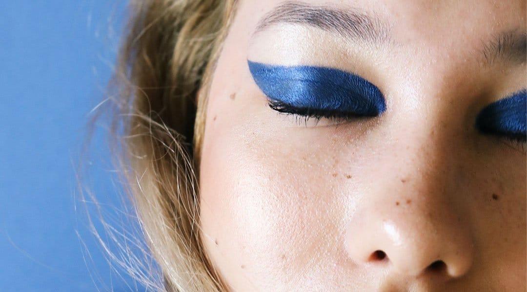 Maquillage bleu yeux